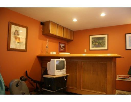 Photo 10: Photos: 3058 West 12th Avenue in Vancouver: Multifamily for sale (kits)  : MLS®# V921038