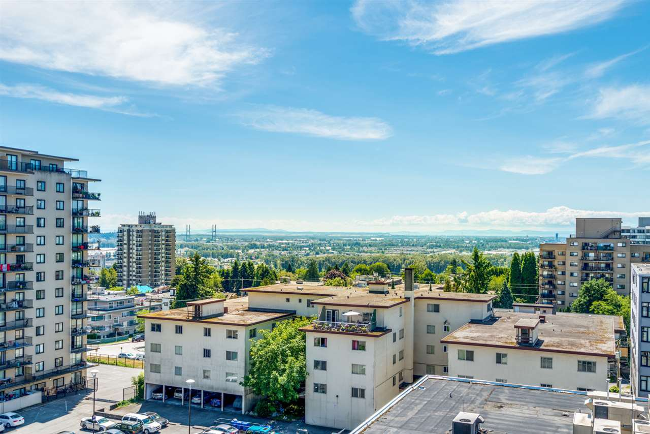 "Main Photo: 1006 615 BELMONT Street in New Westminster: Uptown NW Condo for sale in ""Belmont Towers"" : MLS®# R2389177"