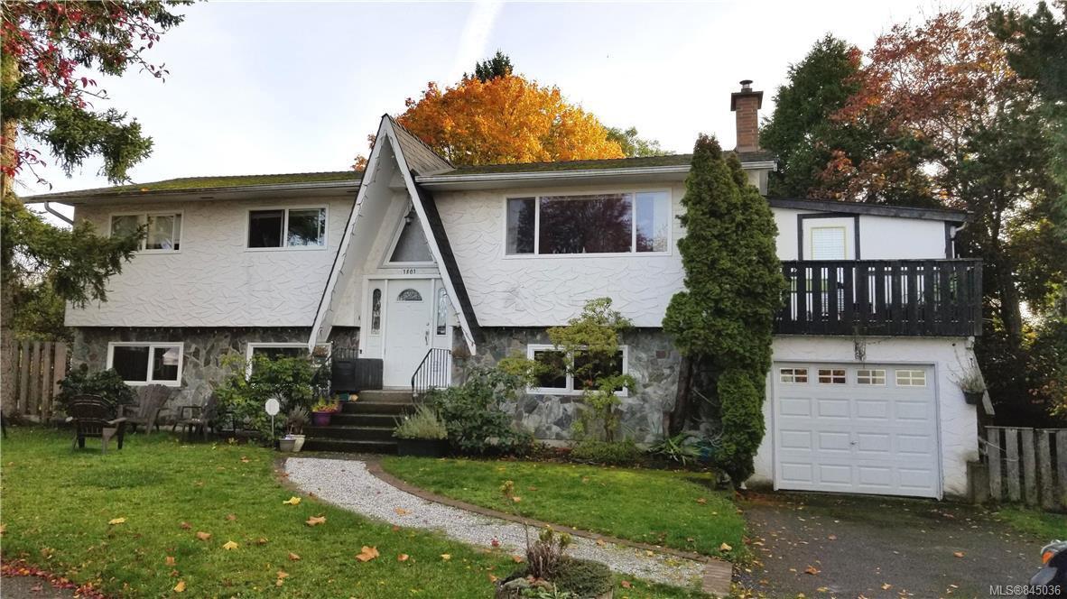 Main Photo: 1801 Hartwood Pl in Saanich: SE Lambrick Park Single Family Detached for sale (Saanich East)  : MLS®# 845036
