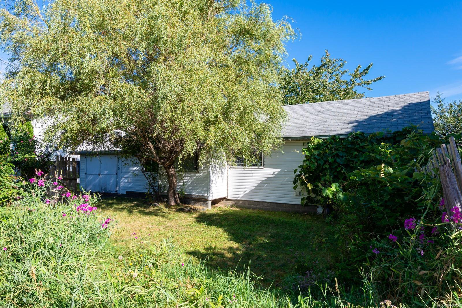 Main Photo: 2170 15th Ave in : CR Campbellton House for sale (Campbell River)  : MLS®# 850918