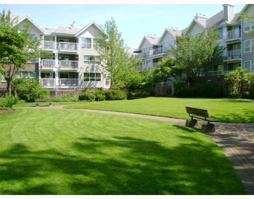 "Main Photo: 204 9650 148TH Street in Surrey: Guildford Condo for sale in ""HARTFORD WOODS"" (North Surrey)  : MLS®# F2713979"