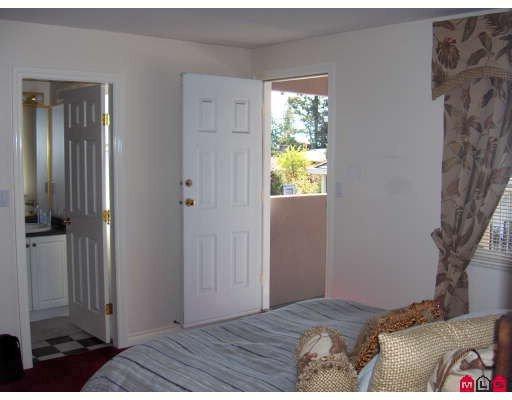 "Photo 8: Photos: 6213 126B Street in Surrey: Panorama Ridge House for sale in ""Panarama Ridge"" : MLS®# F2811065"