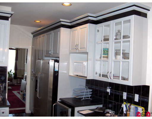 "Photo 4: Photos: 6213 126B Street in Surrey: Panorama Ridge House for sale in ""Panarama Ridge"" : MLS®# F2811065"
