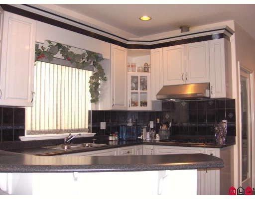 "Photo 3: Photos: 6213 126B Street in Surrey: Panorama Ridge House for sale in ""Panarama Ridge"" : MLS®# F2811065"