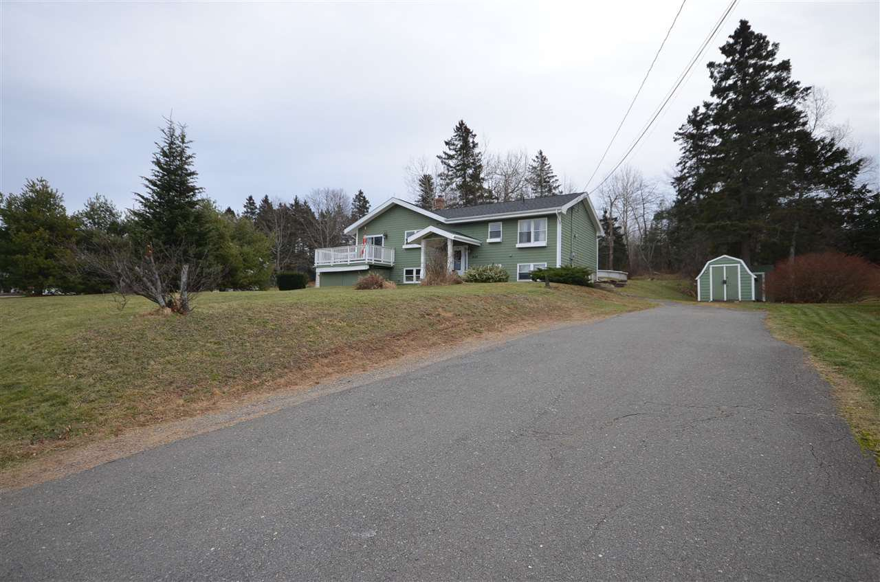 Main Photo: 49 Cloverleaf in New Minas: 404-Kings County Residential for sale (Annapolis Valley)  : MLS®# 201927554