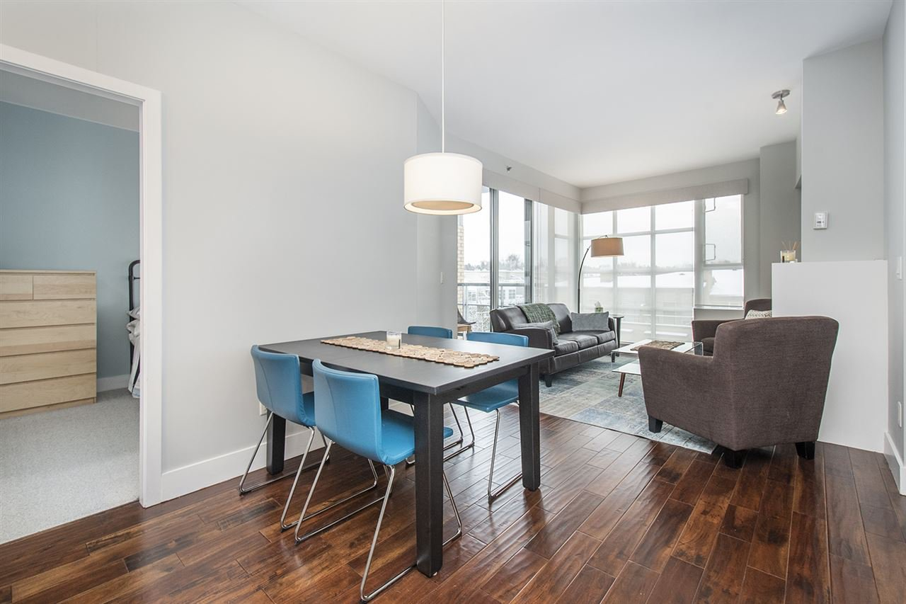 "Main Photo: 502 2655 CRANBERRY Drive in Vancouver: Kitsilano Condo for sale in ""NEW YORKER"" (Vancouver West)  : MLS®# R2428877"