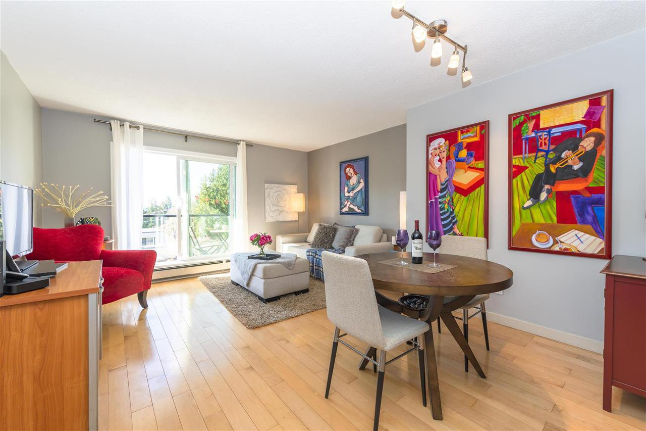 """Main Photo: 203 156 W 21ST Street in North Vancouver: Central Lonsdale Condo for sale in """"Ocean View"""" : MLS®# R2438704"""