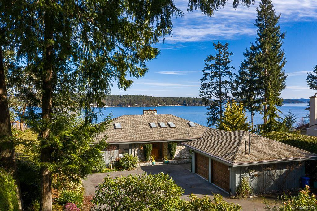 Main Photo: 11323 Ravenscroft Pl in North Saanich: NS Swartz Bay Single Family Detached for sale : MLS®# 833060