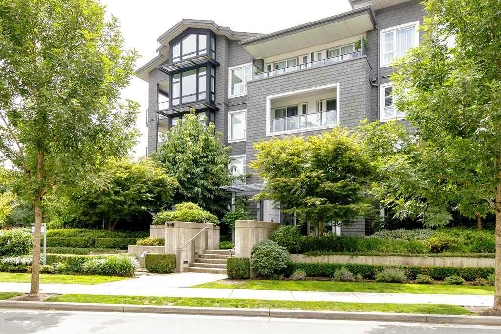 "Main Photo: 203 550 SEABORNE Place in Port Coquitlam: Riverwood Condo for sale in ""FREMONT GREEN"" : MLS®# R2479309"