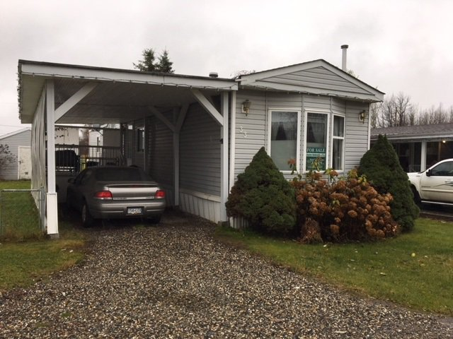 """Photo 2: Photos: 33 602 ELM Street in Quesnel: Red Bluff/Dragon Lake Manufactured Home for sale in """"LOMAR MANUFACTURED HOME PARK"""" (Quesnel (Zone 28))  : MLS®# R2415662"""