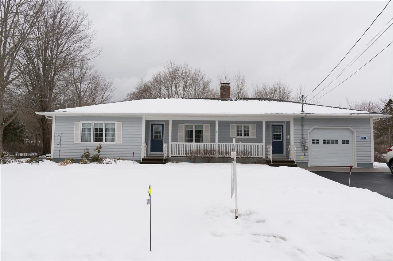 Main Photo: 211 Marster Avenue in Berwick: 404-Kings County Residential for sale (Annapolis Valley)  : MLS®# 202003516
