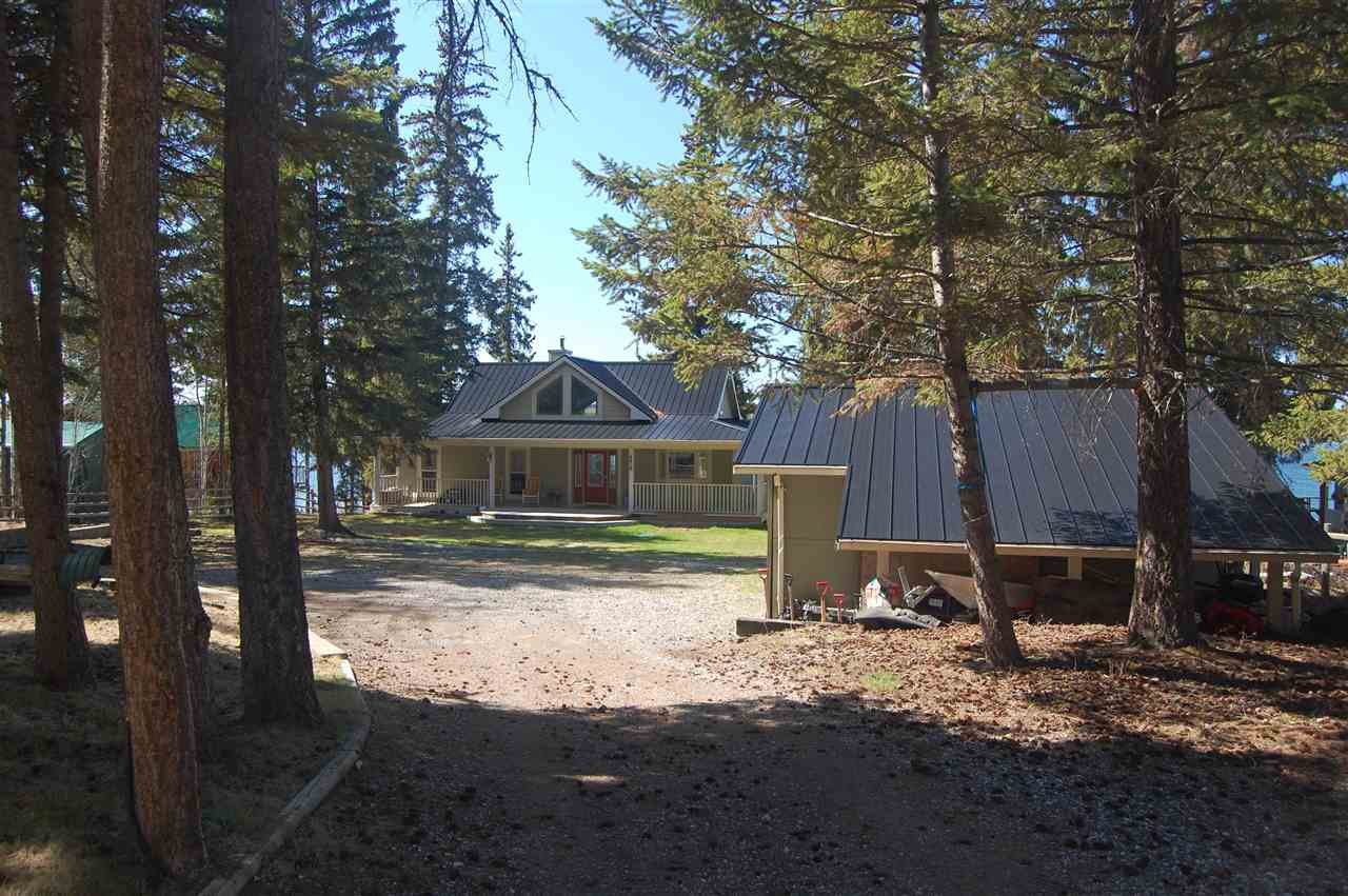 Main Photo: 483 GREEN LAKE S Road: 70 Mile House House for sale (100 Mile House (Zone 10))  : MLS®# R2456030