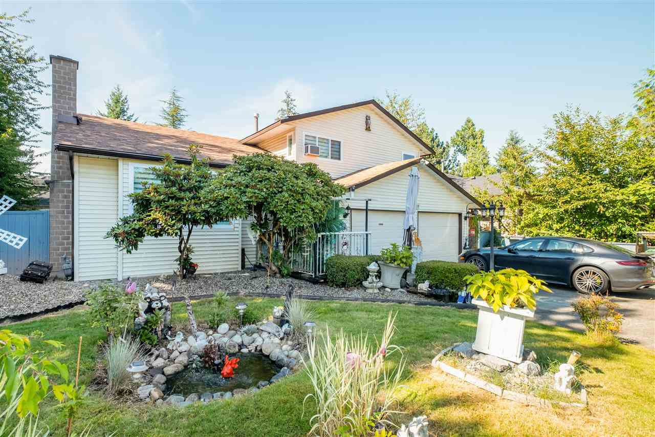 "Main Photo: 15667 101 Avenue in Surrey: Guildford House for sale in ""Somerset"" (North Surrey)  : MLS®# R2481951"