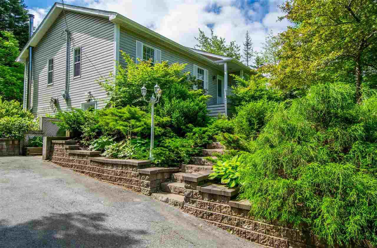 Main Photo: 341 Windsor Drive in Stillwater Lake: 21-Kingswood, Haliburton Hills, Hammonds Pl. Residential for sale (Halifax-Dartmouth)  : MLS®# 202013931