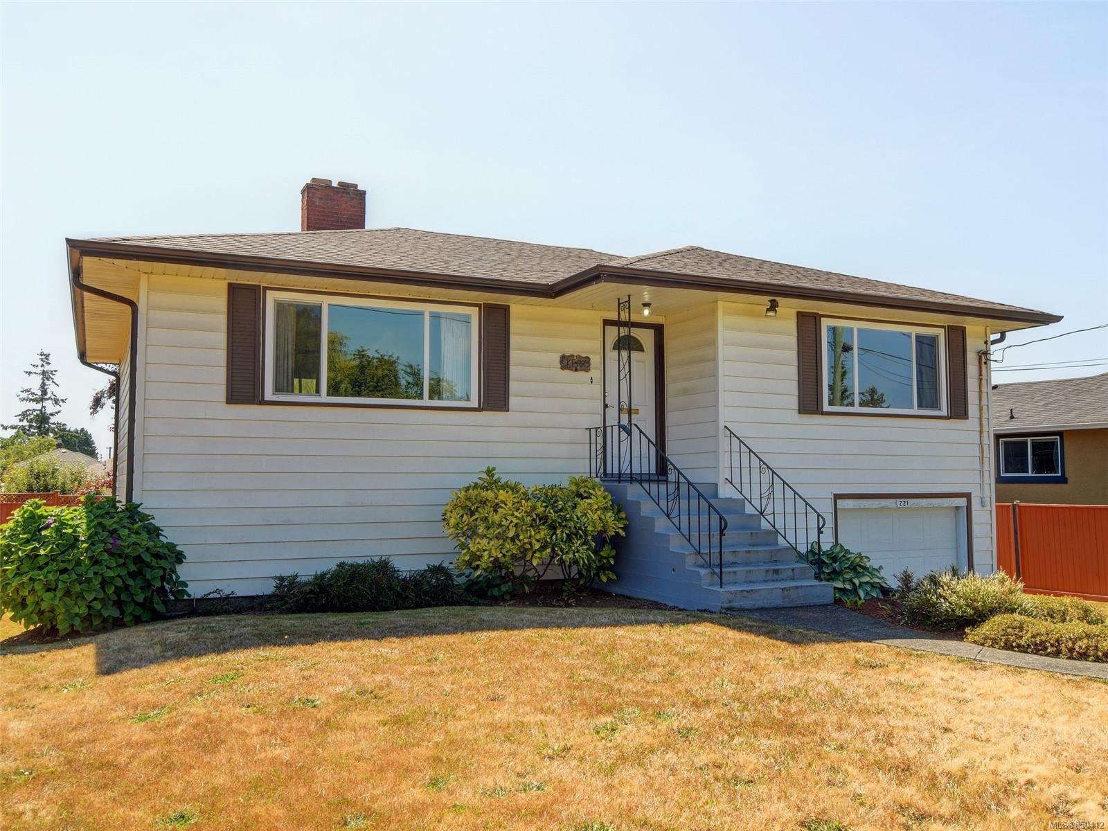 Main Photo: 221 kamloops Ave in : SW Tillicum House for sale (Saanich West)  : MLS®# 850412