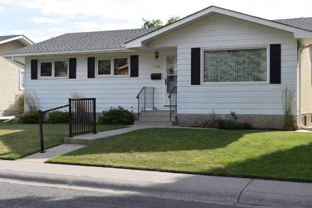 Main Photo: 7132 Hunterwood Road NW in Calgary: Huntington Hills Detached for sale : MLS®# A1023165