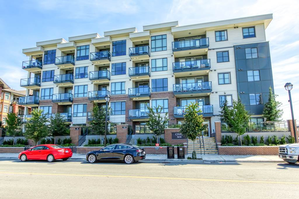 """Main Photo: 304 5638 201A Street in Langley: Langley City Condo for sale in """"THE CIVIC BY CREADA DEVELOPMENTS"""" : MLS®# R2495146"""