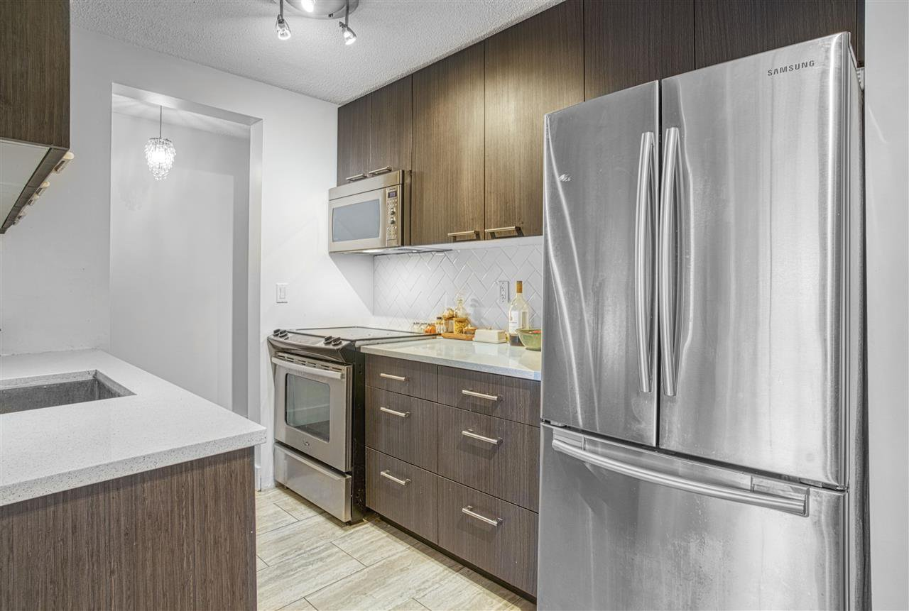 """Main Photo: 105 195 MARY Street in Port Moody: Port Moody Centre Condo for sale in """"Villa Marquis"""" : MLS®# R2526285"""