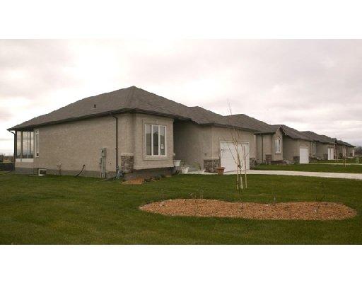 Main Photo: 56 Britton Bay: Condominium for sale (Headingley North West Winnipeg Winnipeg Winnipeg and Area Manitoba)  : MLS®# 2901464