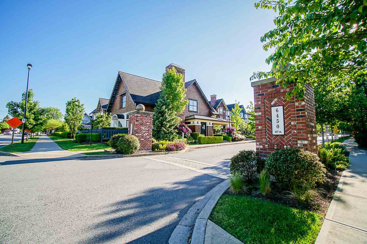 "Main Photo: 57 6450 187 Street in Surrey: Cloverdale BC Townhouse for sale in ""Hillcrest"" (Cloverdale)  : MLS®# R2457363"