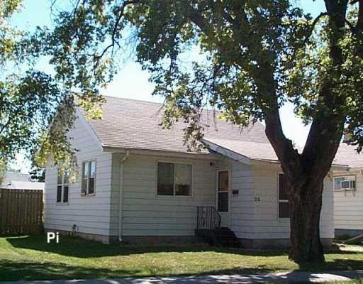Main Photo: 24 HAVELOCK Avenue in Winnipeg: St Vital Single Family Detached for sale (South East Winnipeg)  : MLS®# 2615707