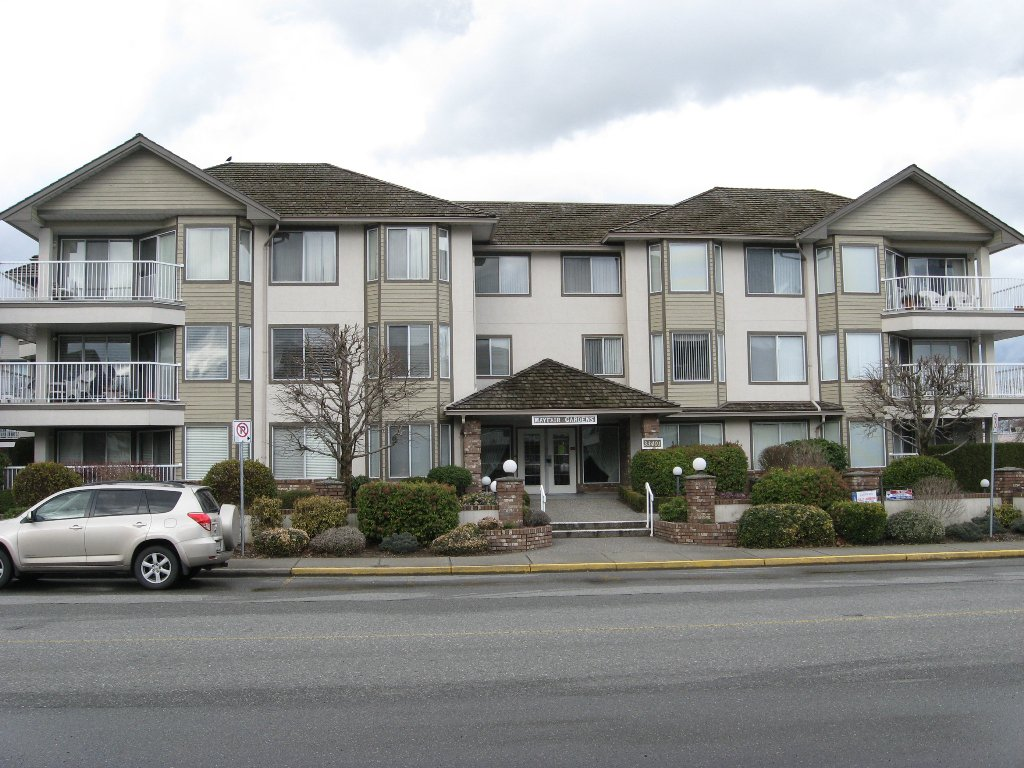 Main Photo: 311 33401 Mayfair in Abbotsford: Condo for sale