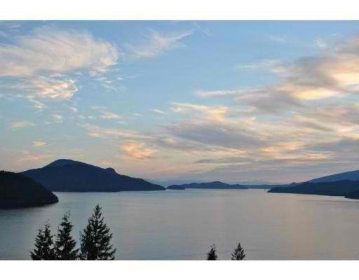 Main Photo: 215 KELVIN GROVE WY in Lions Bay: House for sale : MLS®# V914503