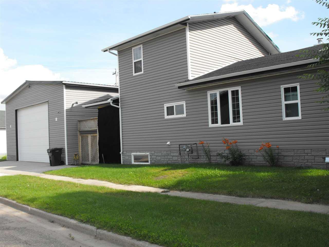 Main Photo: 4833 52 Street: Elk Point House for sale : MLS®# E4171801