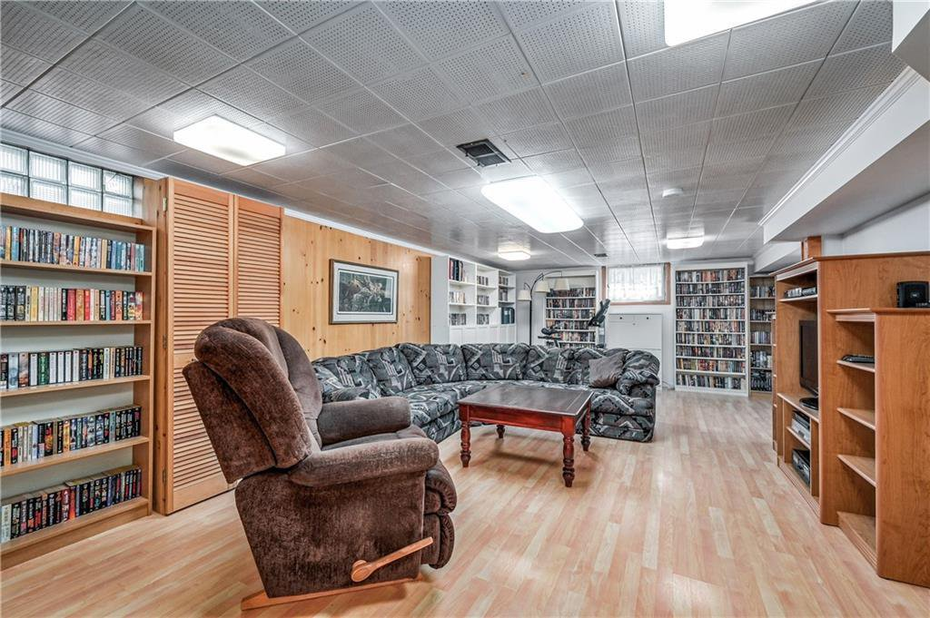 Photo 16: Photos: 2443 23 Street NW in Calgary: Banff Trail Detached for sale : MLS®# C4280626
