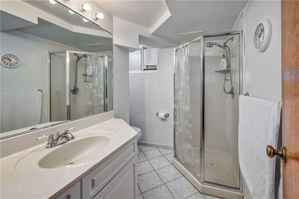 Photo 19: Photos: 2443 23 Street NW in Calgary: Banff Trail Detached for sale : MLS®# C4280626