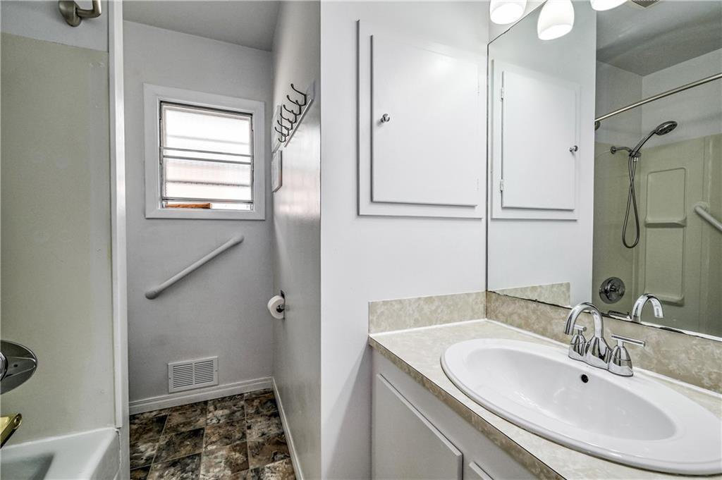 Photo 13: Photos: 2443 23 Street NW in Calgary: Banff Trail Detached for sale : MLS®# C4280626