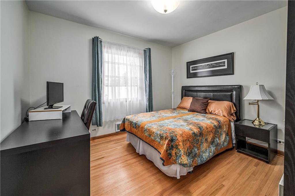 Photo 11: Photos: 2443 23 Street NW in Calgary: Banff Trail Detached for sale : MLS®# C4280626