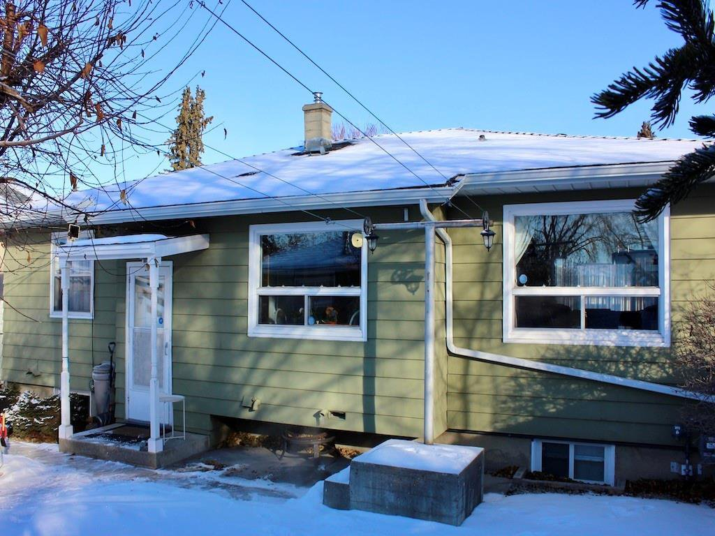 Photo 24: Photos: 2443 23 Street NW in Calgary: Banff Trail Detached for sale : MLS®# C4280626