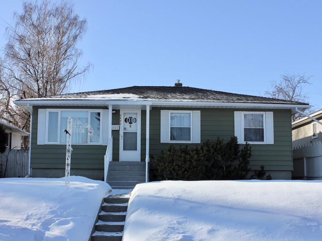 Photo 1: Photos: 2443 23 Street NW in Calgary: Banff Trail Detached for sale : MLS®# C4280626