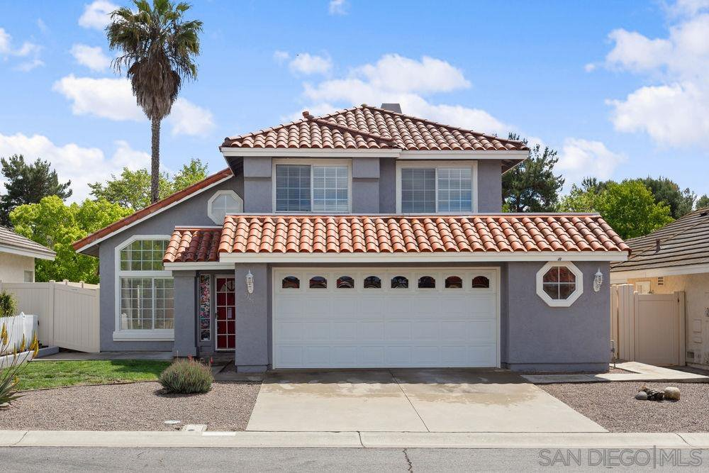 Main Photo: OCEANSIDE House for sale : 3 bedrooms : 5385 Blackberry Way