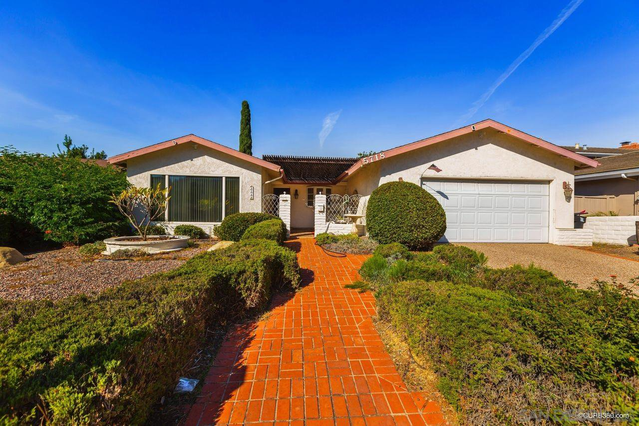 Main Photo: DEL CERRO House for sale : 4 bedrooms : 5718 Bounty St in San Diego