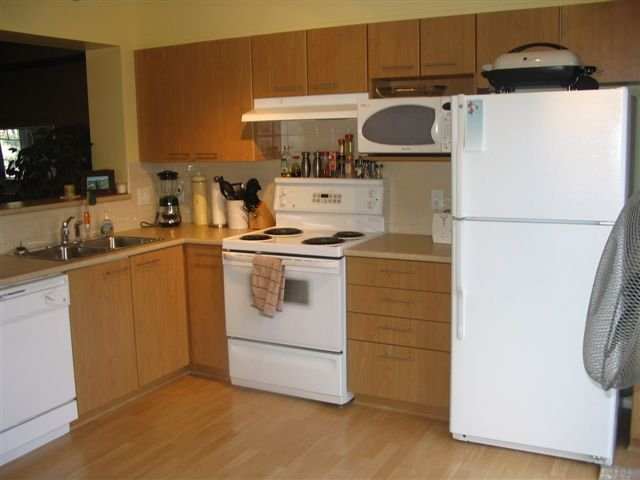 """Photo 3: Photos: #54 20560 66TH AV in Langley: Willoughby Heights Townhouse for sale in """"Amberleigh"""" : MLS®# F2615283"""