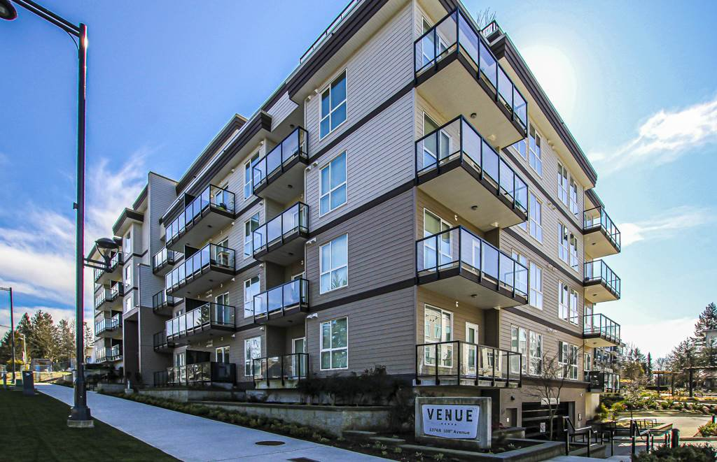 Main Photo: 403 13768 108 Avenue in Surrey: Whalley Condo for sale (North Surrey)  : MLS®# R2444690