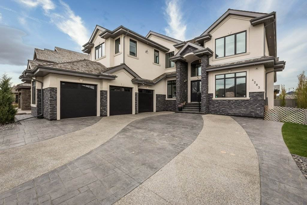 Main Photo: 4203 WESTCLIFF Court in Edmonton: Zone 56 House for sale : MLS®# E4197864