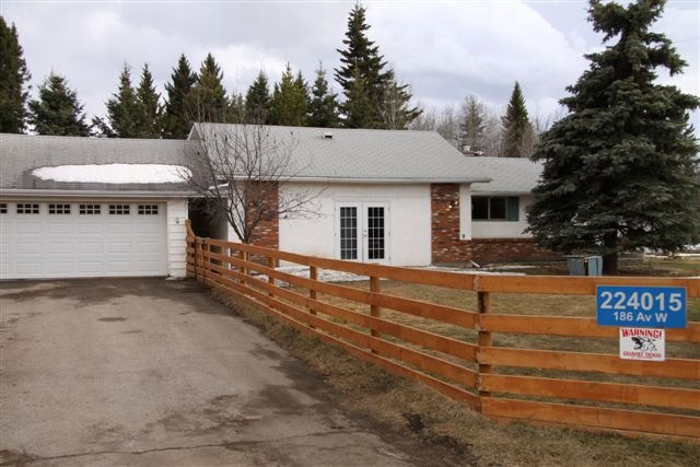 Main Photo:  in Priddis: Residential Detached Single Family for sale : MLS®# c3472973