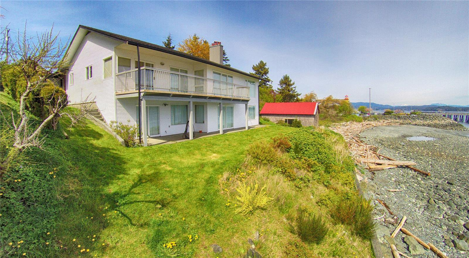 Main Photo: 581 Island Hwy in : CR Campbell River Central House for sale (Campbell River)  : MLS®# 856830