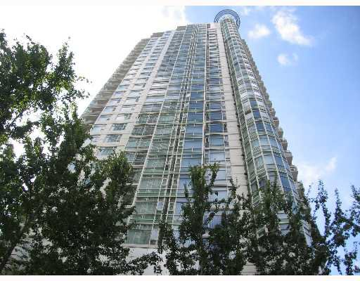"Main Photo: 198 AQUARIUS MEWS BB in Vancouver: False Creek North Condo for sale in ""AQUARIUS"" (Vancouver West)  : MLS®# V639542"