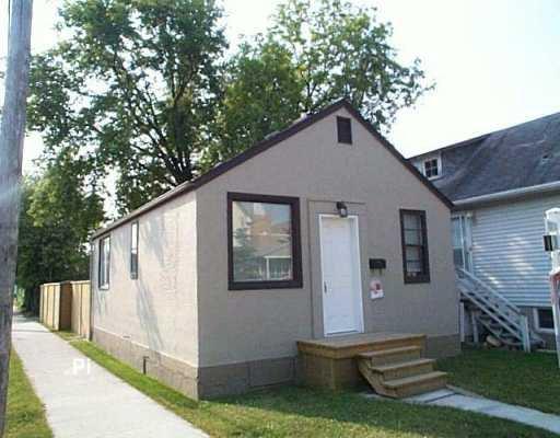 Main Photo: 155 MCPHAIL Street in Winnipeg: East Kildonan Single Family Detached for sale (North East Winnipeg)  : MLS®# 2610827