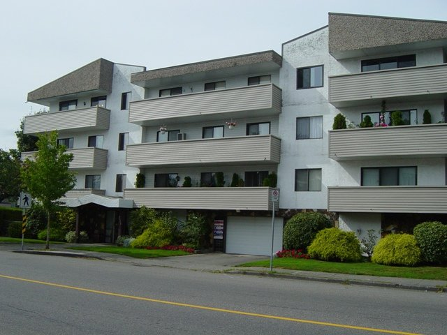 Main Photo: 111 9175 Mary Street in Chilliwack: Condo for sale : MLS®# H1200015