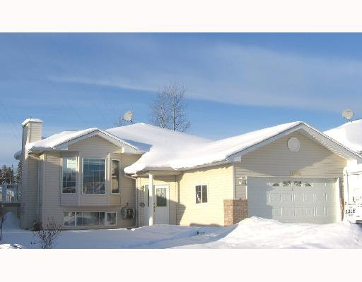 """Main Photo: 5608 56TH Street in Fort_Nelson: Fort Nelson -Town House for sale in """"ANGUS"""" (Fort Nelson (Zone 64))  : MLS®# N179251"""