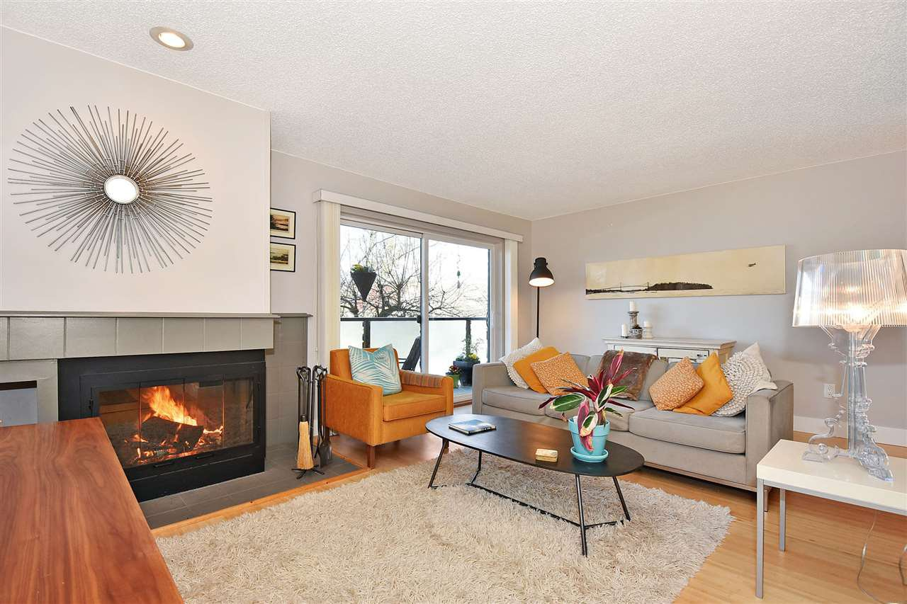 Main Photo: 203 550 E 7TH AVENUE in Vancouver: Mount Pleasant VE Condo for sale (Vancouver East)  : MLS®# R2345044