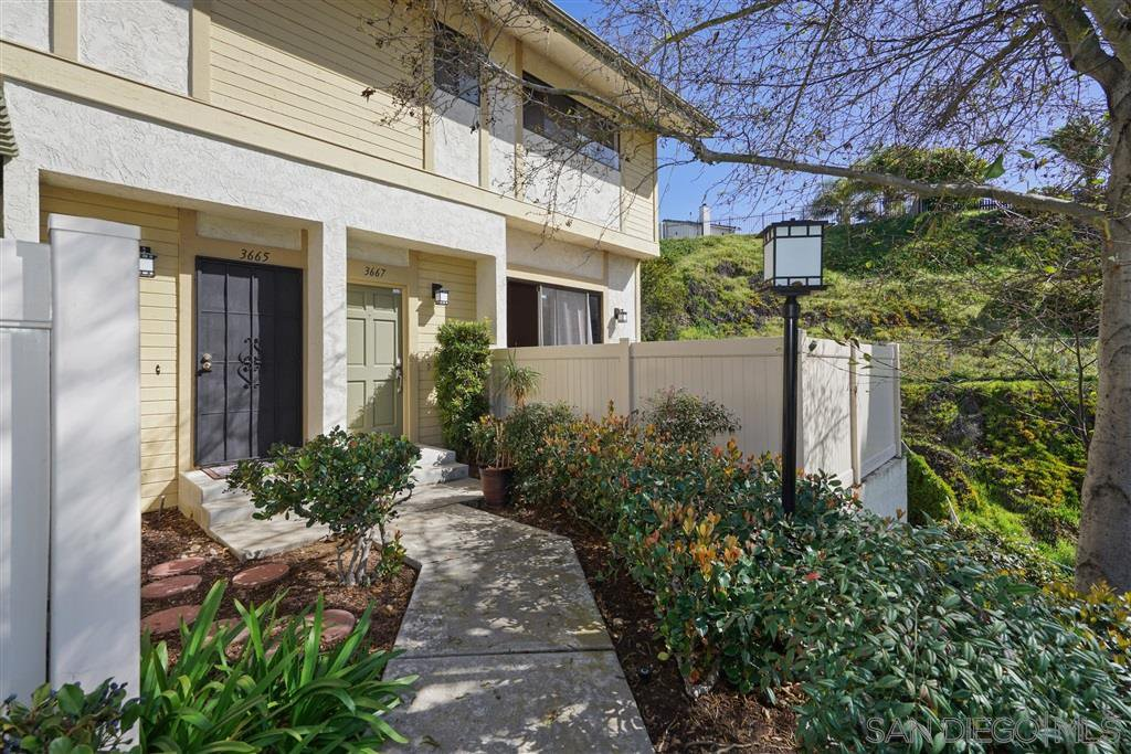 Main Photo: CLAIREMONT Townhome for sale : 2 bedrooms : 3667 Marlesta Dr in San Diego
