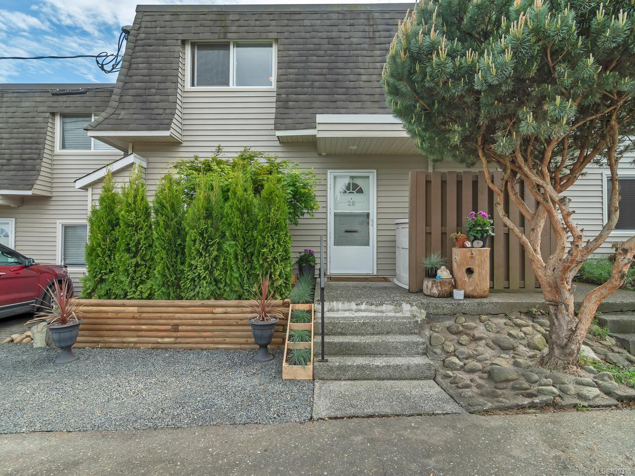 Main Photo: 28 270 Evergreen Rd in CAMPBELL RIVER: CR Campbell River Central Row/Townhouse for sale (Campbell River)  : MLS®# 839335