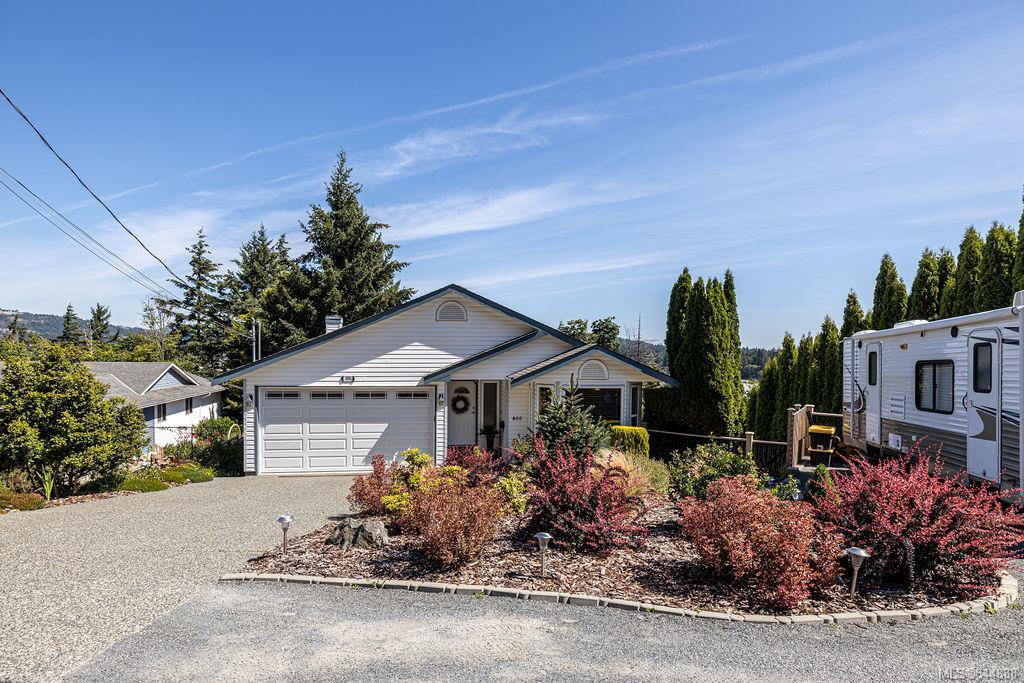 Main Photo: 800 Drummond Way in Colwood: Co Triangle House for sale : MLS®# 844888