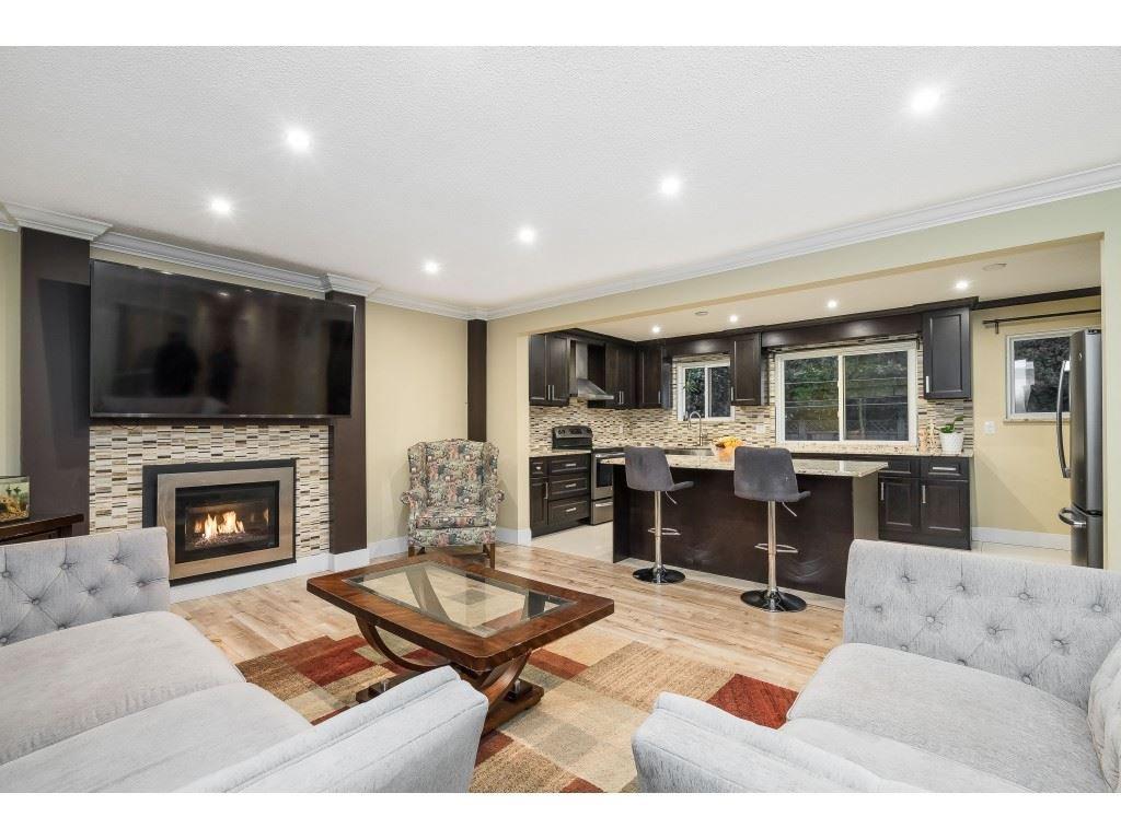 Main Photo: 3228 CEDAR Drive in Port Coquitlam: Lincoln Park PQ House for sale : MLS®# R2526313